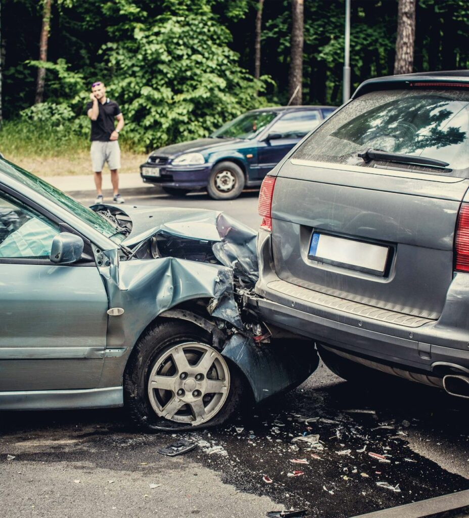 2 cars in collision